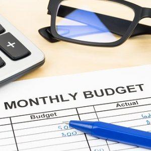mengatur anggaran belanja